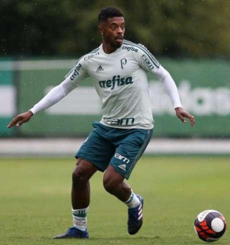 Michel Bastos terá sua primeira chance desde o retorno do técnico Cuca (foto: Cesar Greco/Palmeiras)