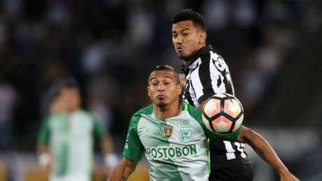Rodrigo Lindoso deu a assistência para a finalização de Rodrigo Pimpão (Foto: Vitor Silva/SSPress/Botafogo)