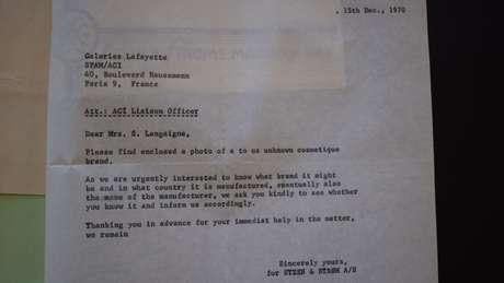 Carta da polícia norueguesa à Galeries Lafayette, em Paris
