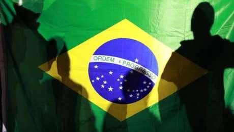 """A pesquisa Ibope/Estado/TV Globo divulgada nesta terça-feira, 18, revela que a maioria absoluta dos brasileiros não está disposta a fazer sacrifícios pessoais ou admitir corte de gastos sociais, mesmo que isso sirva para """"ajudar o Brasil a sair da crise"""""""