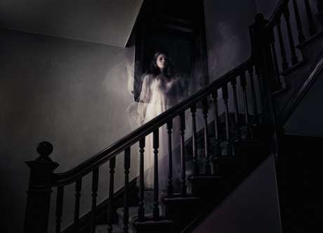 Supuesto fantasma tira por las escaleras a personas en Malasia