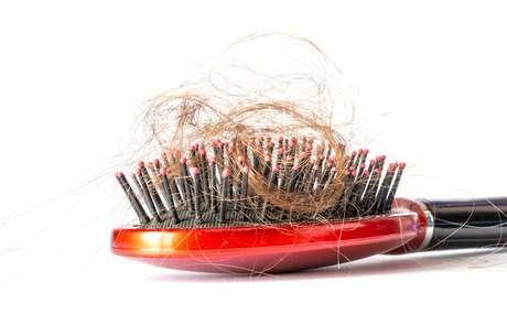 É possível reverter a queda de cabelo sim