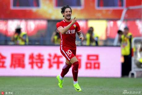 Pato anotou o gol da vitória do Tianjin Quanjian (Foto: Reprodução / Sina.com)