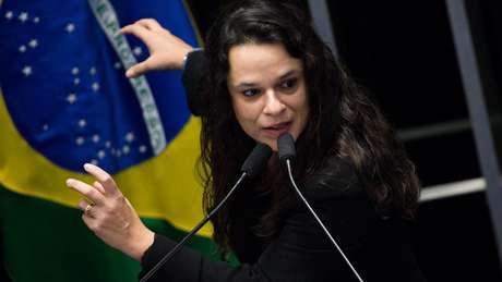 Apoiadora de impeachment de Dilma, jurista agora defende saída de Temer