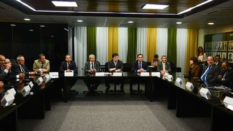 PSB defende imediata renúncia do presidente Michel Temer