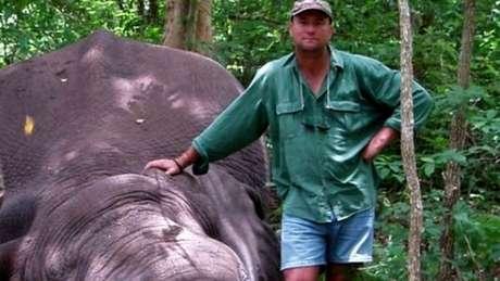 Elefante esmagou caçador após ser morto em safári no Zimbábue