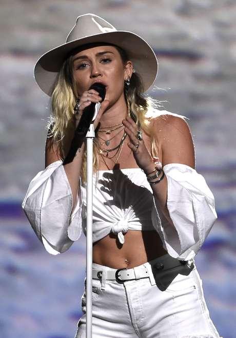 Cyrus sobre el escenario del T-Mobile Arena, de Las Vegas.