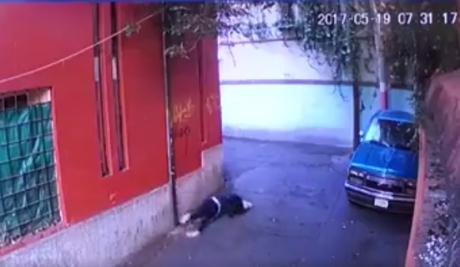 https://p2.trrsf.com/image/fget/cf/460/0/images.terra.com/2017/05/22/taxista-intenta-abusar-de-nina-de-secundaria.png