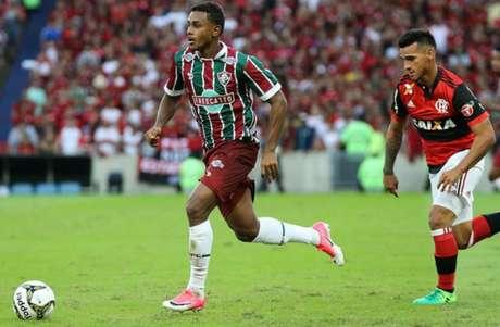 Vasco oficializa a contratação por empréstimo do volante Wellington, ex-São Paulo