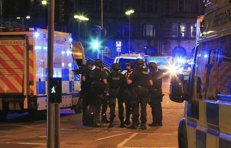 Oficial: Al menos 19 muertos y 50 heridos en el Manchester Arena