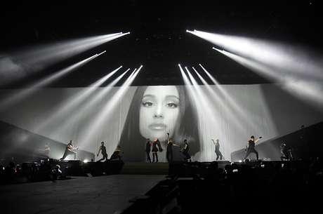 Katy Perry y Bruno Mars apoyaron a Ariana Grande — Atentado en Manchester