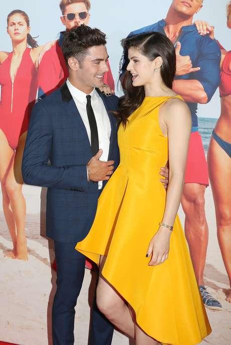 Alexandra Daddario y Zac Efron parecen novios pero no lo son.