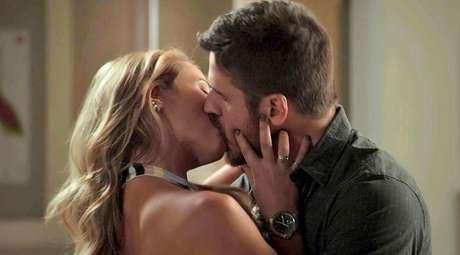 Jeiza (Paolla Oliveira) e Zeca (Marco Pigossi), um dos casais protagonistas de 'A Força do Querer'