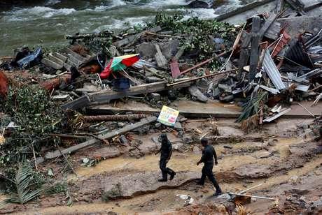 Sobe para 146 o número de mortos por conta de enchente em Sri Lanka