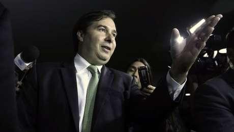 Rodrigo Maia é um dos cotados para assumir a Presidência caso Temer saia