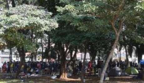 Usuários de drogas se concentram na Praça Princesa Isabel, após ações de desocupação da Cracolândia