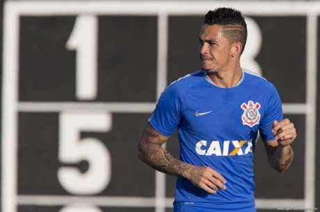Botafogo e Cruzeiro brigam pela contratação do corintiano Luciano