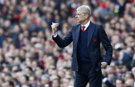 Wenger promete a Premier League e Arsenal abre cordões à bolsa