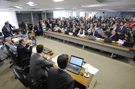 Comissão de Assuntos Econômicos faz acordo para dar andamento às votações da Reforma Trabalhista