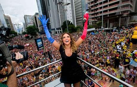Daniela Mercury e artista de destaque em Parada LGBT em SP