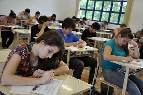 Para se inscrever no Sisu, é obrigatório ter feito o Exame Nacional do Ensino Médio (Enem) do ano imediatamente anterior e não ter zerado na redação.