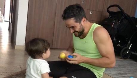 Poncho Herrera se divierte con su hijo Dani