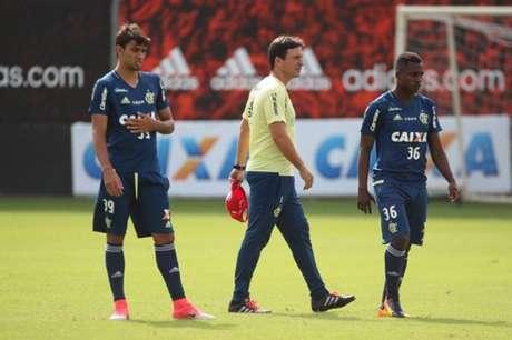 Zé Ricardo comanda treino do Flamengo na manhã desta sexta-feira (2) como preparação para o clássico contra o Botafogo, no domingo