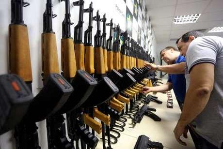 O valor dos fuzis apreendidos foi estimado em mais de R$4 milhões