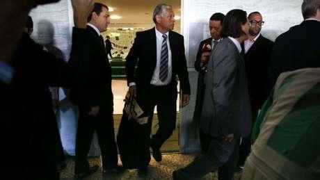 Agentes da Polícia Federal apreenderam documentos no gabinete de Rocha Loures
