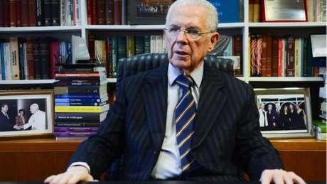 Ex-presidente do Tribunal Superior Eleitoral (TSE) Sydney Sanches: 'um caso como esse está decidindo o destino do país'