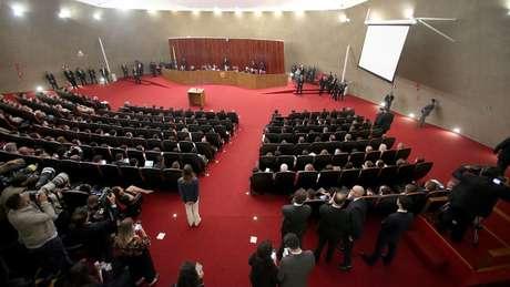 TSE retoma julgamento do pedido de cassação da chapa Dilma-Temer