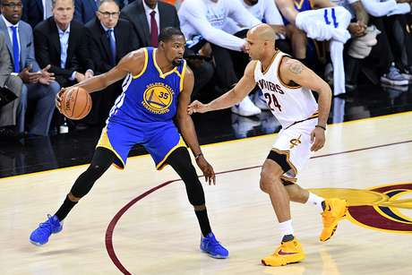 Cavaliers se niega a morir y vence a Golden State