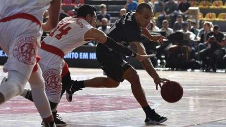Alex Garcia foi o destaque da quarta partida da decisão entre Bauru e Paulistano (Foto: João Pires/LNB)