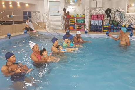 As aulas gratuitas de hidroterapia atendem 150 famílias