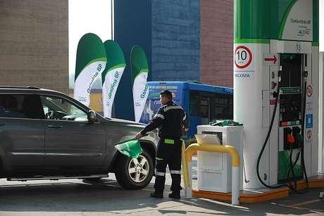 Gasolinas mantienen sus precios para este martes, Diésel baja un centavo