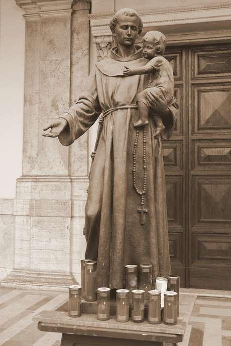 Escultura de Santo Antônio