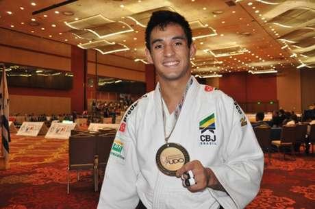 Eric Takabatake conquistou o ouro no Pan-Americano de judô na categoria ligeiro Divulgação/CBJ