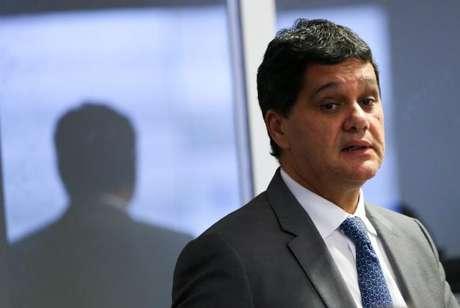 Ferraço fez críticas à proposta de reforma política que tramita na Câmara, avaliando que as mudanças miram os interesses próprios dos parlamentares.