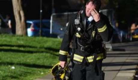 Pelo menos 30 pessoas morreram no incêndio do prédio em Londres