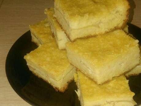 Pudim de pão recheado com maçã