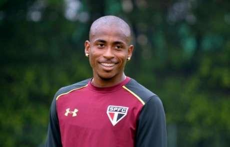 Denílson fez seu primeiro treino como reforço são-paulino nesta quarta (foto: Érico Leonan / saopaulofc.net)