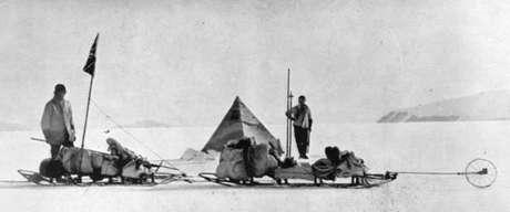 Dr Wilson (à esquerda) e o Capitão Scott no ponto mais extremo ao sul do continente gelado