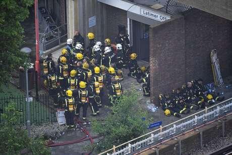 Bombeiros trabalharam por horas na luta contra o incêndio