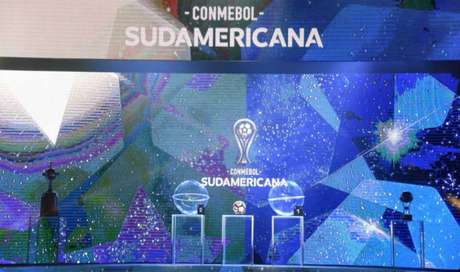 Palco do sorteio da Sul-Americana (Foto: Divulgação/Conmebol)