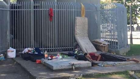Quantidade de moradores de rua praticamente triplicou no Rio nos últimos anos