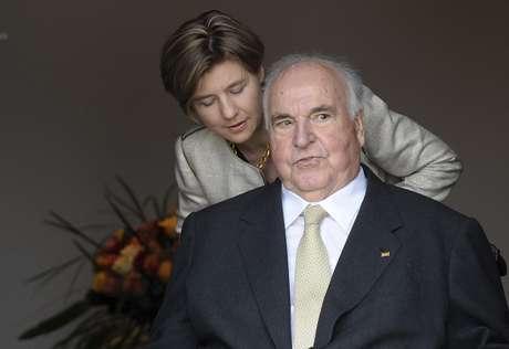 Helmut Kohl, pai da reunificação alemã, morre, diz jornal