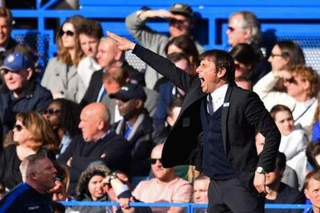 Após polêmicas, Antonio Conte pode deixar o comando do Chelsea, diz jornal