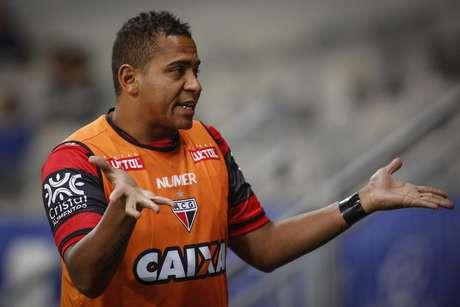 Walter jogador do Atlético-GO