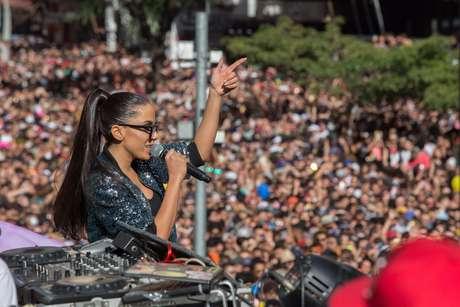 Anitta se apresenta na Paulista