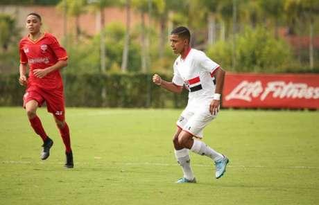 Destaque do São Paulo, Brenner pode bater o recorde de Gabriel Jesus no Paulistão Sub-17 (foto: Divulgação/SPFC)